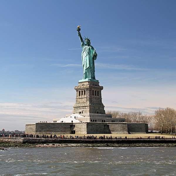 Joyas Del Este Con New York