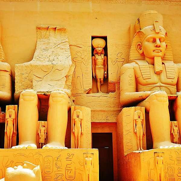Tierra De Faraones Y Abu Simbel